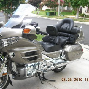 08 Gold Wing